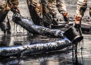 shoreline-oil-spill